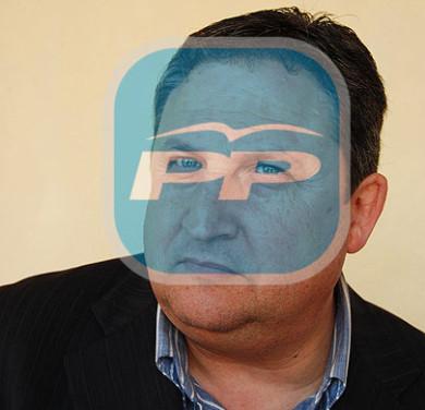 José Luis Ferris, o el mundo visto a través de la poética del PP. ¿Logrará cambiarse las gafas antes de que lleguen los cambios...?