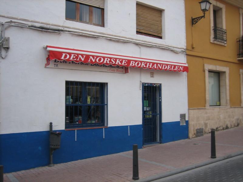 Tienda_de_productos_noruegos_en_Alfaz_del_Pi_(Alicante)