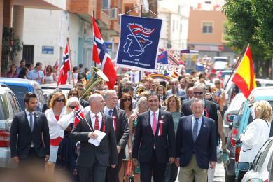 alfaz-noruegos-desfile